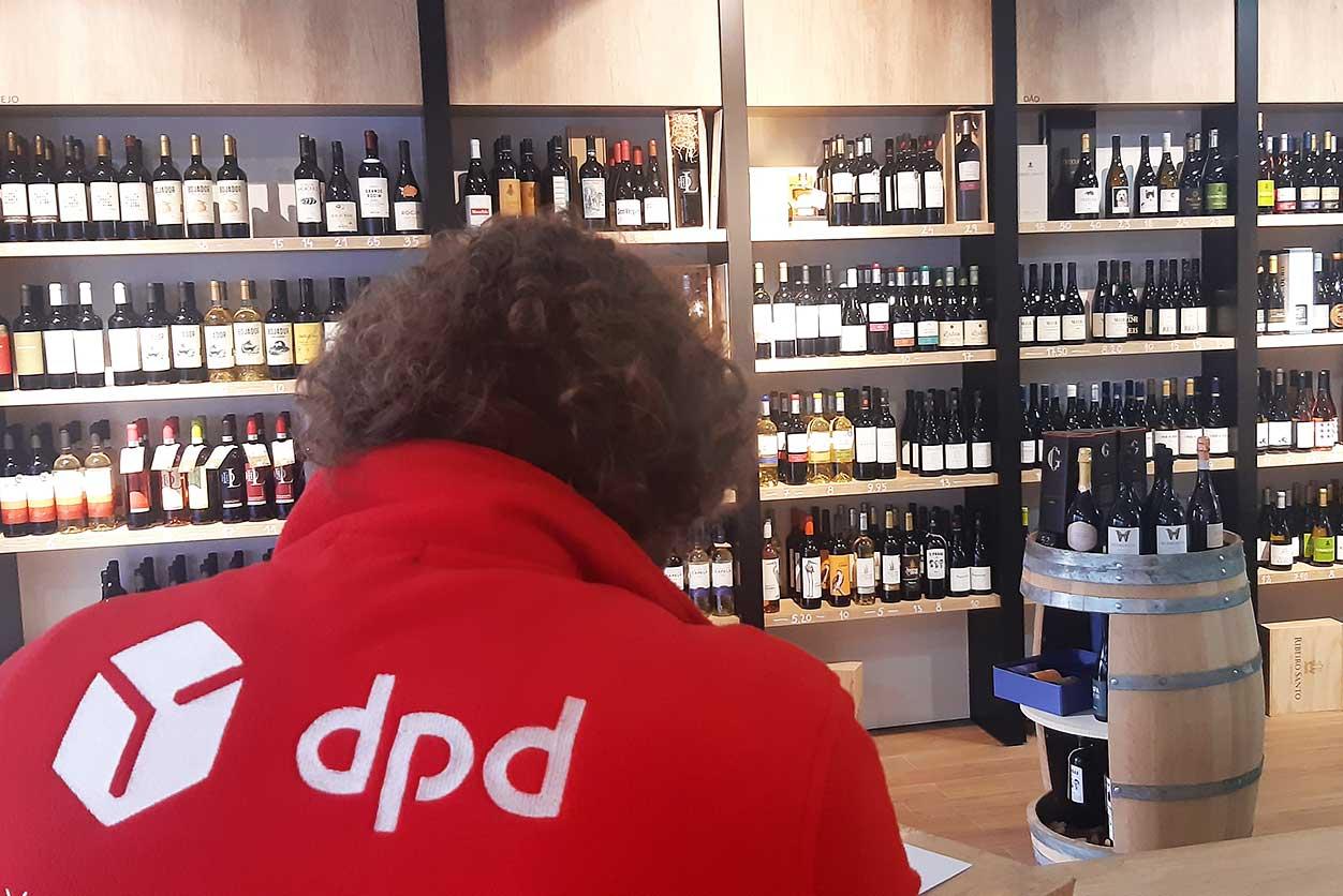 Clientes da Tua Vinharia recebem vinho em casa